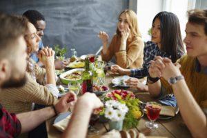 Как стать желанным гостем? 15 основных правил поведения